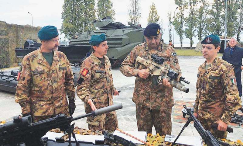 ROME: Army Chief Gen Qamar Javed Bajwa inspecting Italian guns and other weapons.—APP
