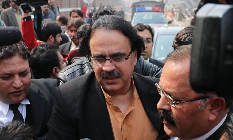 ڈاکٹر شاہد مسعود عدالت میں پیشی کے وقت