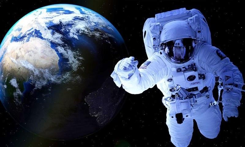 بھارت بھی 2022 تک پہلا انسان خلاء میں بھیجنے کا اعلان کر چکا ہے—فوٹو: کوئرز ڈاٹ کام
