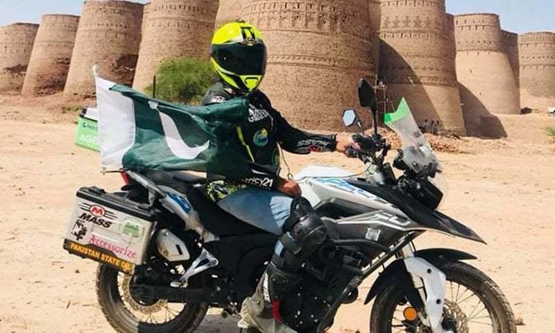 گلِ افشاں طارق موٹر سائیکل پر پاکستان بھر کا سفر کر چکی ہیں اور پی ایس او اس سفر میں ان کے ساتھ ہے۔