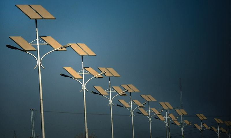 Solar panels installed on Ring Road, Peshawar | Abdul Majeed Goraya/White star
