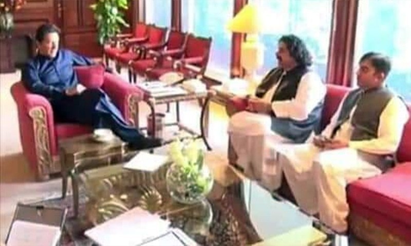 MNAs and PTM leaders Mohsin Dawar and Ali Wazir meet Prime Minister Imran Khan. — Photo: PTM Twitter