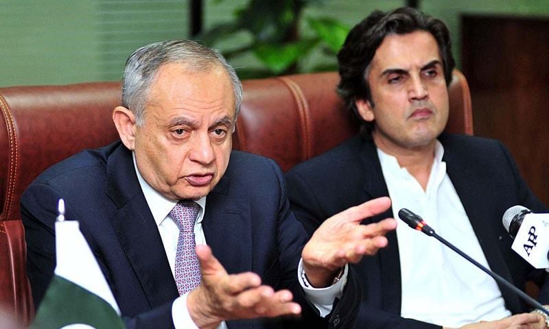 ISLAMABAD: Federal Minister for Planning, Development and Reform Makhdum Khusro Bakhtyar and Adviser to PM for Commerce, Textile and Industry Production Abdul Razak Dawood jointly addressing a press conference on Wednesday.—APP