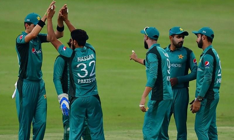 پاکستان کی جانب سے شاہین آفریدی نے 4 اور حسن علی نے دو وکٹیں حاصل کیں— فوٹو: اے ایف پی