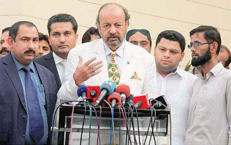Sindh Assembly Speaker Agha Siraj Durrani at a press conference.  — APP/File