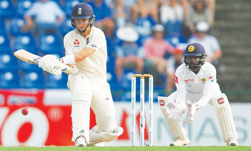 PALLEKELE: England's Sam Curran attempts a switch-hit as Sri Lankan wicket-keeper Niroshan Dickwella looks on during the second Test at the Pallekele International Cricket Stadium on Wednesday. —Reuters