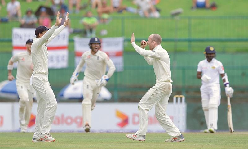 Rain halts England victory charge against Sri Lanka