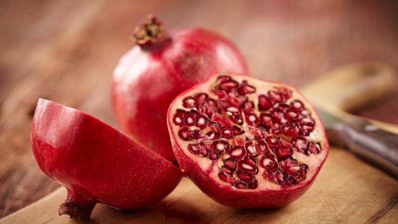 The berry-like sweetness and tartness of the pomegranate makes it the perfect foil for chocolate and other confections