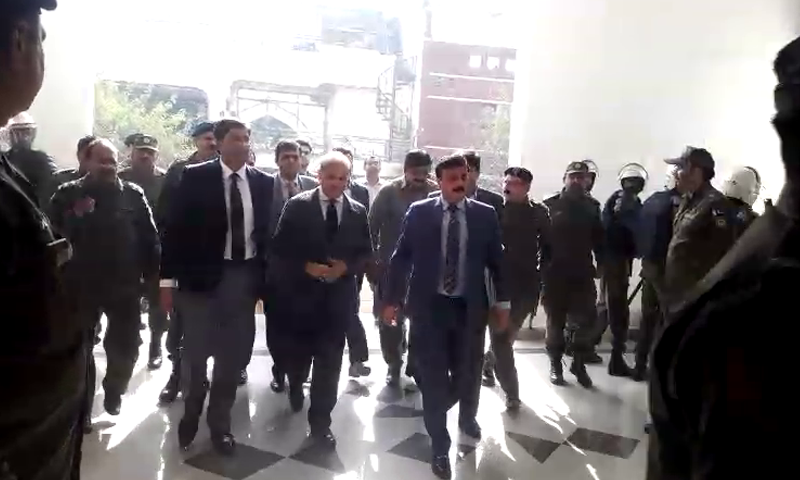 Leader of the Opposition Shahbaz Sharif arriving at a Lahore accountability court on Thursday in light of the National Accountability Bureau's (NAB) request for his transit remand. — DawnNewsTV