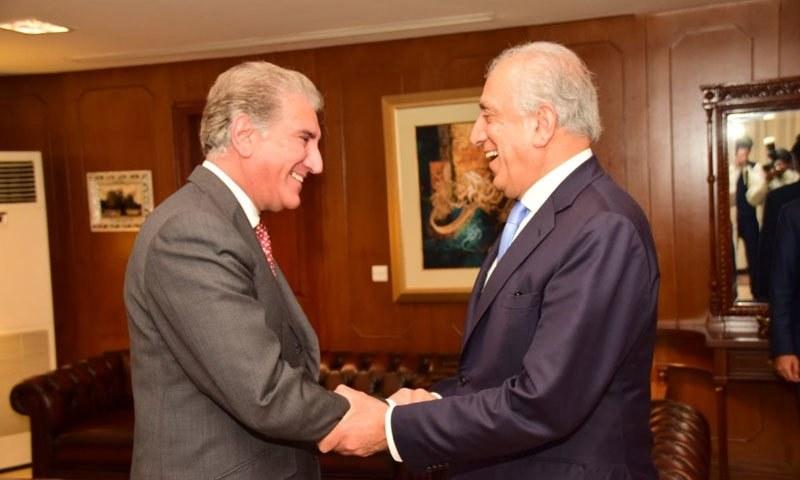 زلمے خلیل زاد نے وزیر خارجہ شاہ محمود قریشی سے ملاقات کی — فوٹو : بشکریہ  ٹوئٹر