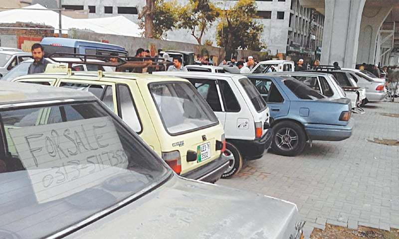 November sees a huge decrease in the number of units sold compared to October sales. ─ File photo