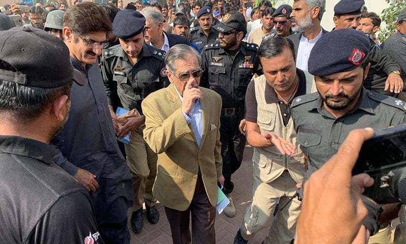 CJP Mian Saqib Nisar and Sindh Chief Minister Syed Murad Ali Shah arrive in Thar on Wednesday. — Photo provided by author