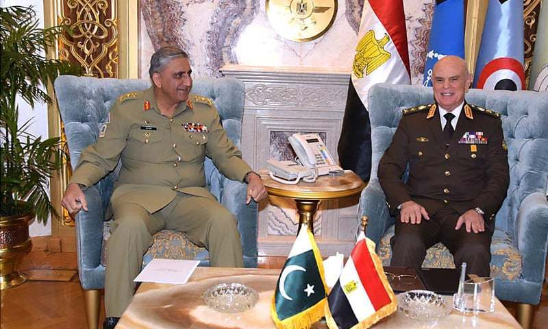 Chief of the Army Staff Gen Qamar Javed Bajwa calls on Chief of the Staff of Egyptian Armed Forces Lt Gen Mohamed Farid Hegazy on Monday.—APP