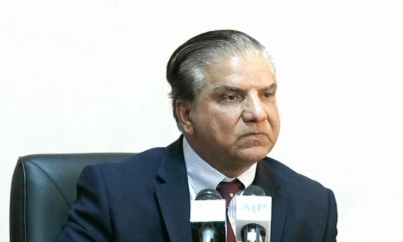 Wapda Chairman Muzammil Hussain addresses a press conference on Wednesday. — DawnNewsTV