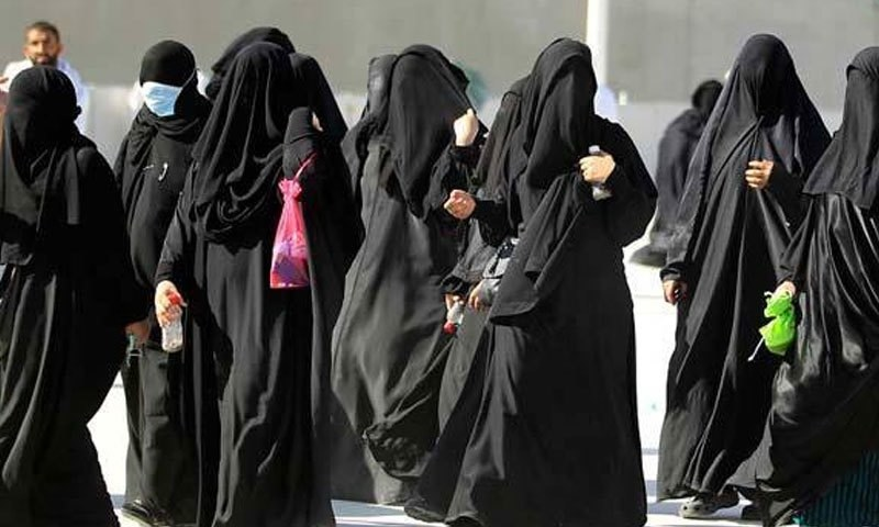 نئے قانون کے تحت سعودی  خواتین اپنی طلاق سے متعلق لاعلم نہیں رہیں گی — فائل فوٹو