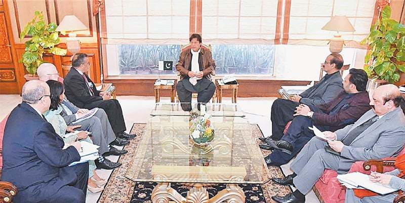 ISLAMABAD: Prime Minister Imran Khan speaks to WHO Director General  Dr Tedros Adhanom Ghebreyesus, who called on him on Tuesday. The  President of the Bill and Melinda Gates Foundation's Global Development  Division, Dr Christopher Elias, is also present.—APP