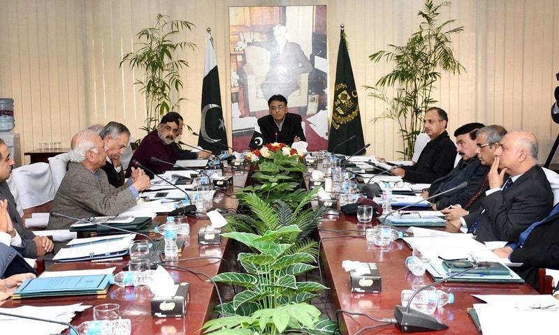 اقتصادی رابطہ کونسل کا اجلاس وزیر خزانہ اسد عمر کی سربراہی میں منعقد ہوا—فوٹو بشکریہ حکومت پاکستان ٹوئٹر