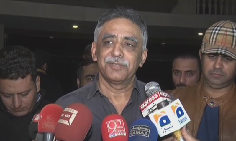 Former Sindh governor Mohammad Zubair was driving home with his wife when his car was intercepted, police say. — DawnNewsTV