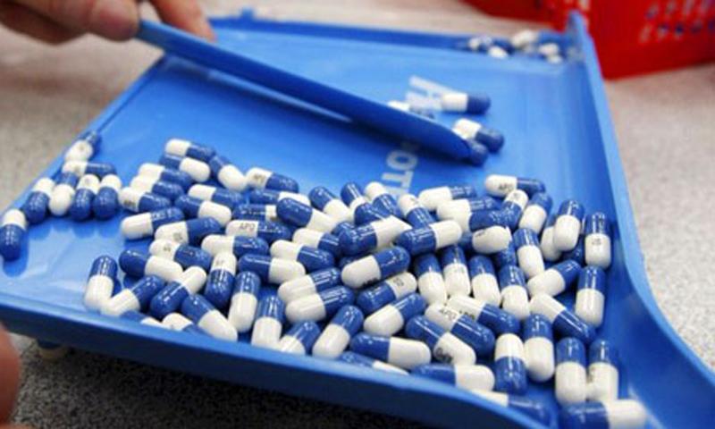 ڈریپ نے مختلف ادویات کی قیمتوں میں 15 فیصد تک اضافہ کردیا تھا—فائل فوٹو