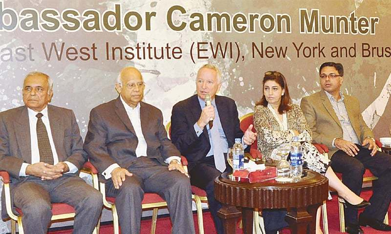 The former US ambassador to Pakistan, Cameron Munter, speaks at an event held at a hotel in Karachi on Sunday. — PPI