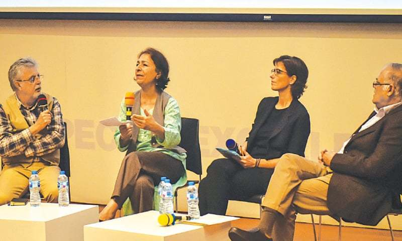 IRANIAN architect Zahra Taraneh Yalda speaks during the panel discussion. —White Star
