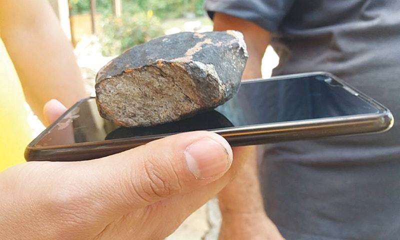 VinaleS (Cuba): A piece of a meteorite that fell in Cuba on Friday.—AFP