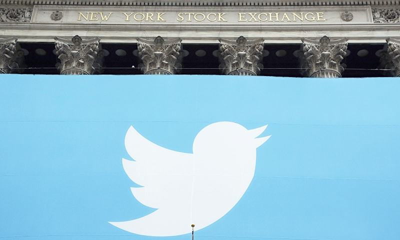 Twitter shares drop 10% as revenue outlook disappoints