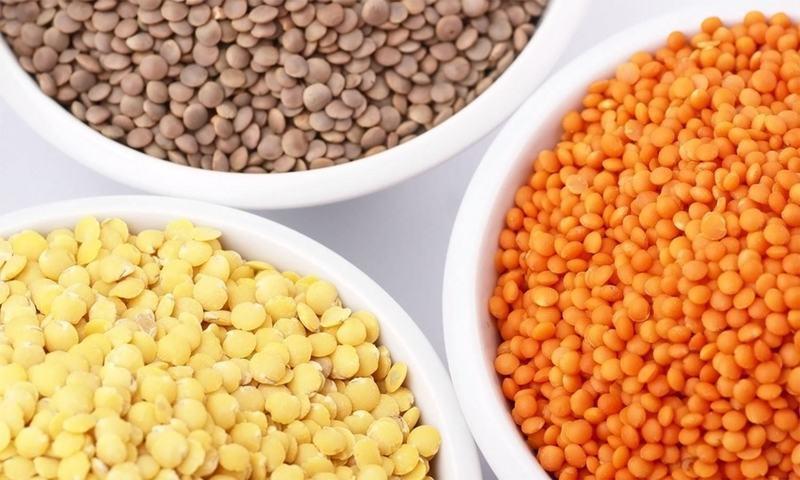 ختلف دالیں غذائی ضروریات پوری کرنے کے ساتھ ساتھ ماحول دوستی کا حق بھی ادا کرتی ہیں— شٹر اسٹاک فوٹو
