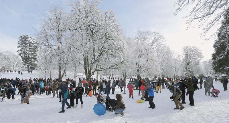 Tacoma (Washington, US): Several hundred people take part in a public snowball fight at Wright Park on Saturday.—AP