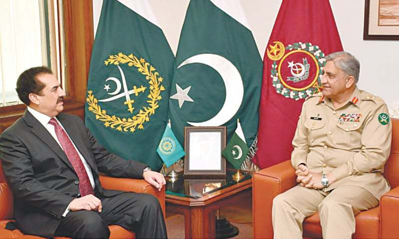 RAWALPINDI: Retired Gen Raheel Sharif, who heads the Saudi-led Islamic Military Counter Terrorism Coalition, meets Army Chief Gen Qamar Javed Bajwa at GHQ on Monday.—White Star