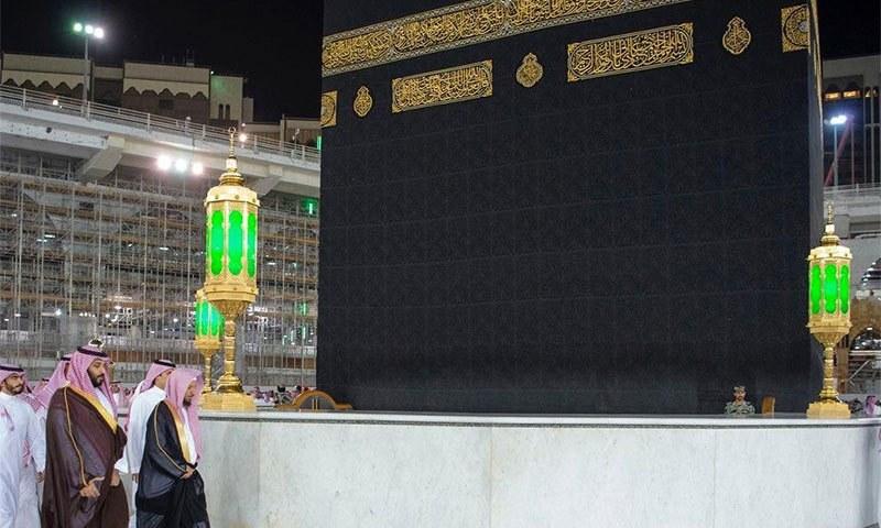 سعودی ولی عہد مسجدالحرام کا دورہ کر رہے ہیں— تصویر بشکریہ ٹوئٹر