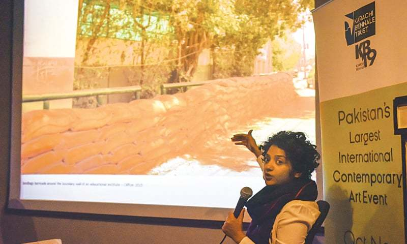 ARTIST Seema Nusrat speaks at Alliance Française de Karachi on Friday.—White Star