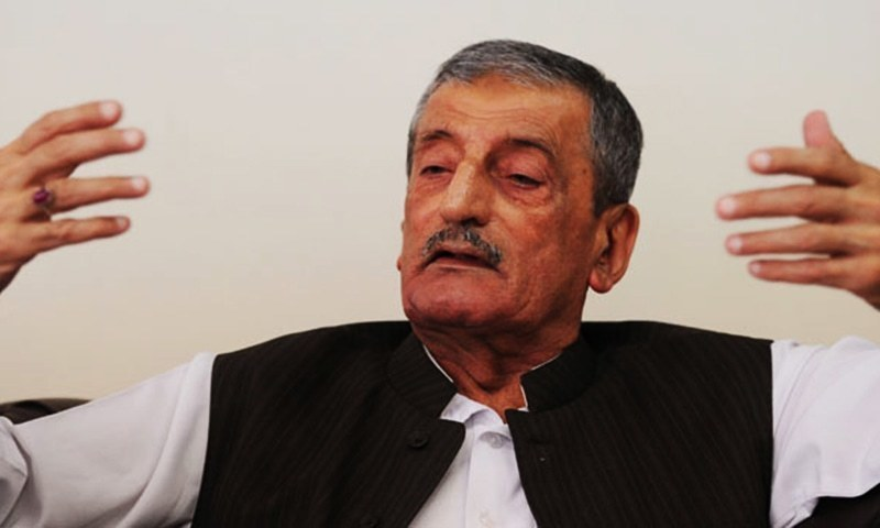 ANP leader Ghulam Ahmed Bilour accuses government of victimising political opponents. — File photo