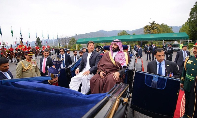 PM Khan and Saudi crown prince arrive at the Presidential Palace in a horse-dawn carriage. — PTI official