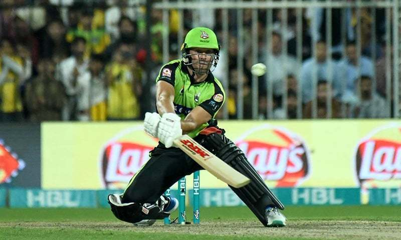 AB De Villiers scored six boundaries. —PSL