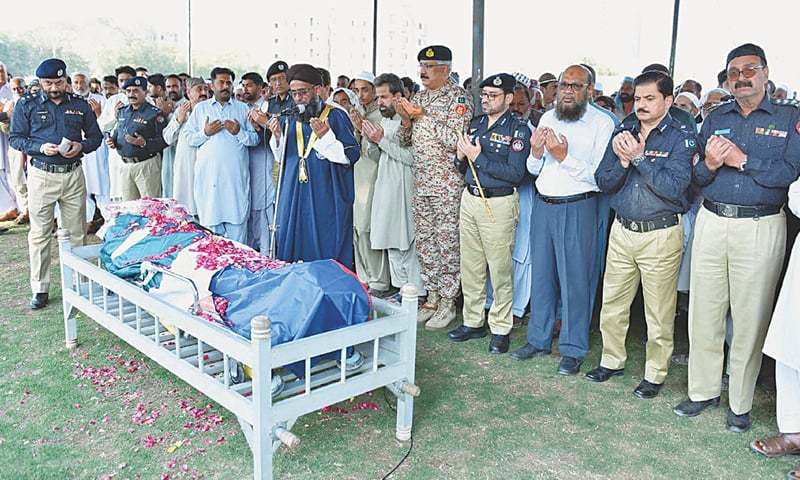 THE Sindh police chief and Rangers director general, among others, attend the funeral prayers of the slain officer on Monday at Garden Police Headquarters.—PPI