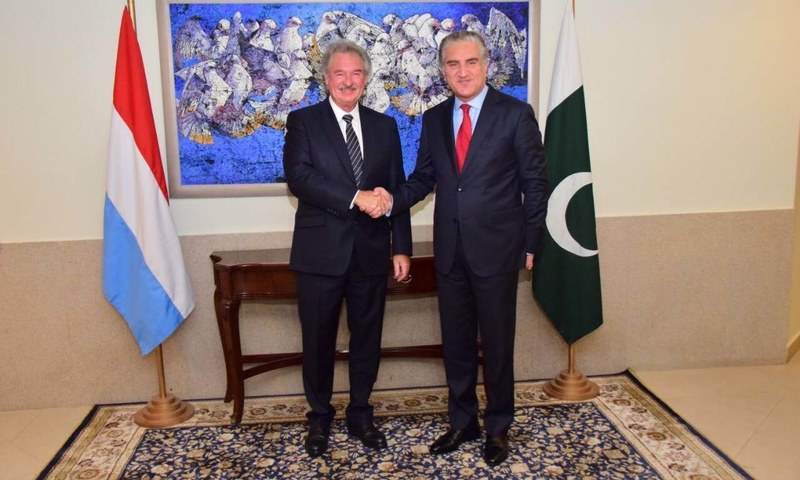Foreign Minister Shah Mahmood Qureshi and Luxembourg Foreign Minister Jean Asselborn. — Photo: FO Twitter