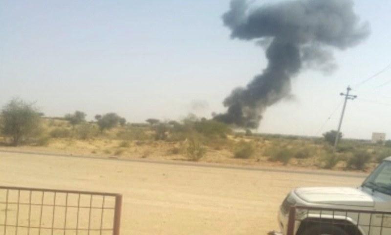 گرنے والے طیارے کے پائلٹ نے خود کو باہر نکال لیا—فوٹو: نیوز 18