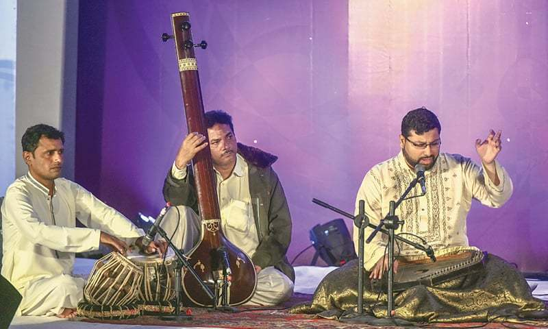 Azaz Sohail performs at the APMC on Saturday evening.—Fahim Siddiqi / White Star