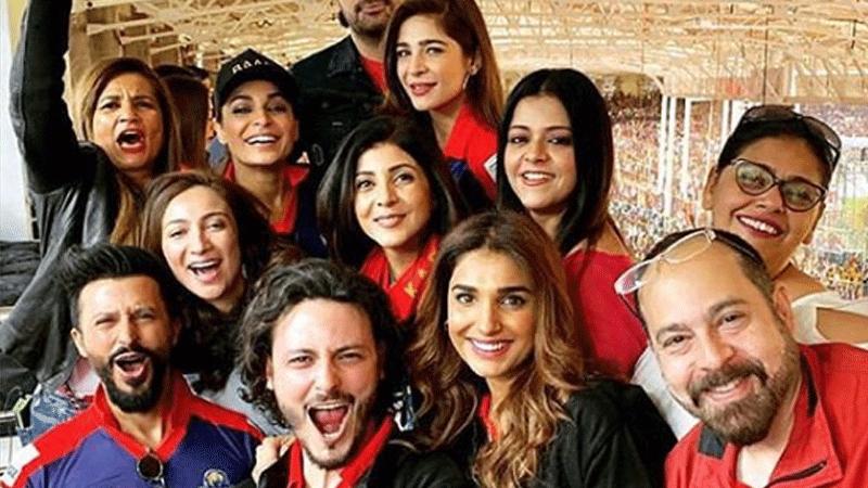 Anoushay Ashraf, Osman Khalid Butt, Ali Kazmi, Humayun Saeed, Ayesha Omar, Meera, Frieha Altaf, Sonya Khan and Amna Ilyas had a blast at Karachi Kings vs Peshawar Zalmi
