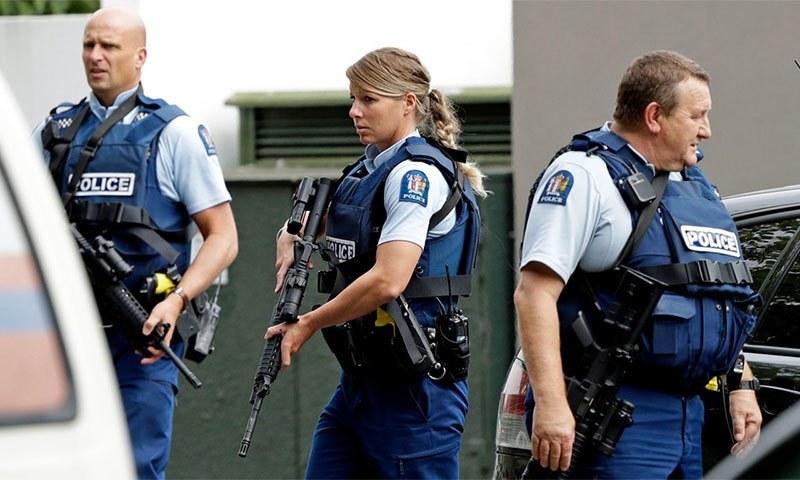 یوزی لینڈ پولیس نے بتایا کہ حملہ آور دہشتگردی کی واچ لسٹ میں نہیں تھے— اے پی فوٹو
