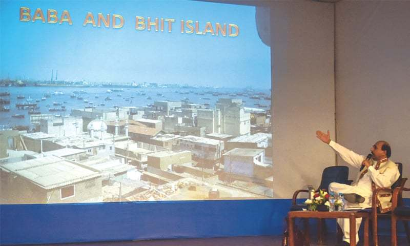 Gul Hassan Kalmati speaks at Szabist on Tuesday.—Fahim Siddiqi / White Star