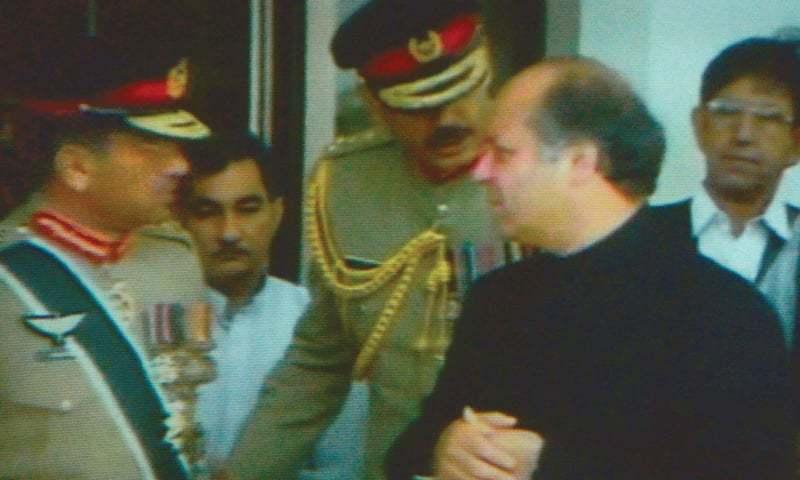 فلم میں میڈیا پر چلنے والے پرویز مشرف اور نواز شریف کے انٹرویوز شامل ہیں—اسکرین شاٹ