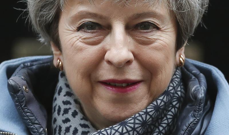Theresa May issues 'stark' warning of no Brexit at all