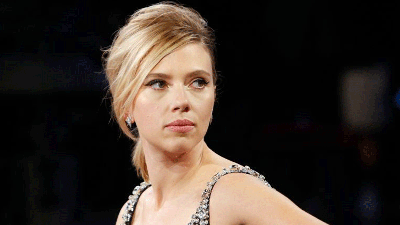 Scarlett Johansson Made A Trip To A Police Station Amid Paparazzi Scare