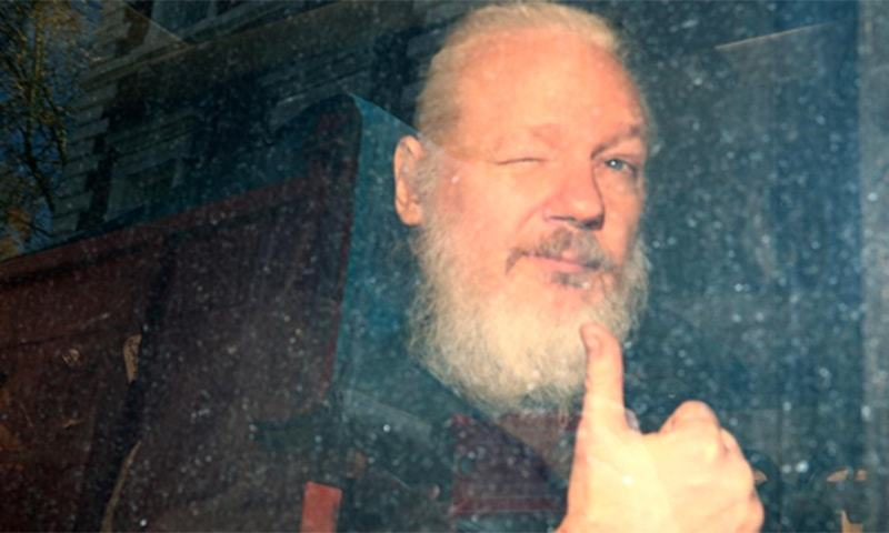 French Sec. of State Would Consider Asylum for Julian Assange