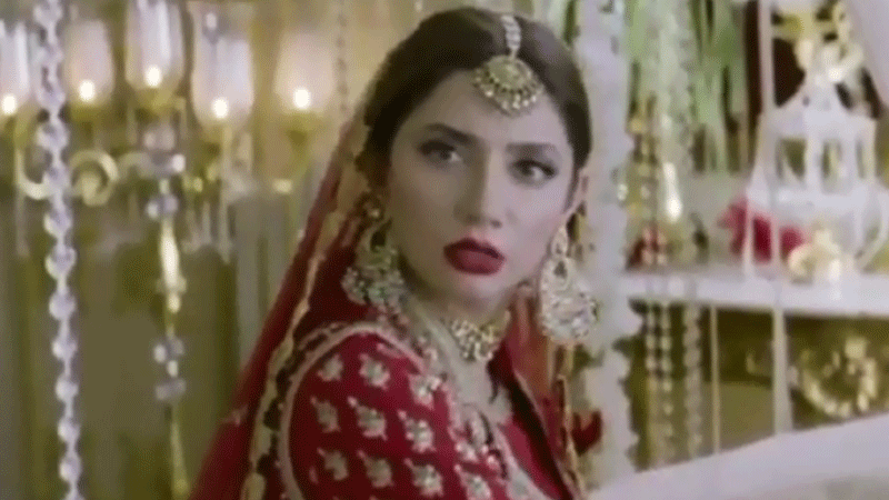 With henna on her hands and a bold red lippy, Mahira is a vision in an Umar Sayeed ensemble.