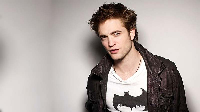 'Twilight' star Robert Pattinson in final talks to play Batman