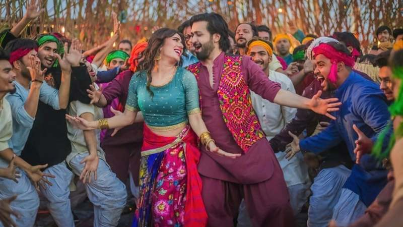 Chhalawa seems like a stereotypical film about a full-of-himself hero waltzing into a wedding to whisk away the bride-to-be. Sounds familiar, doesn't it?