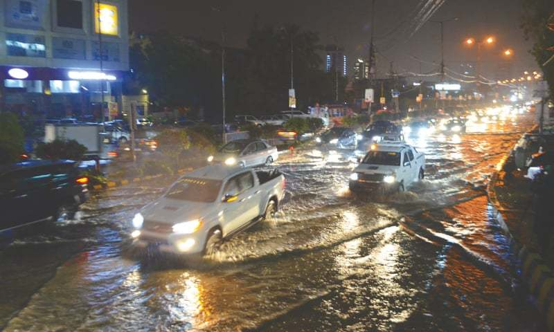 Power outages, gridlock test Karachi's patience after showers